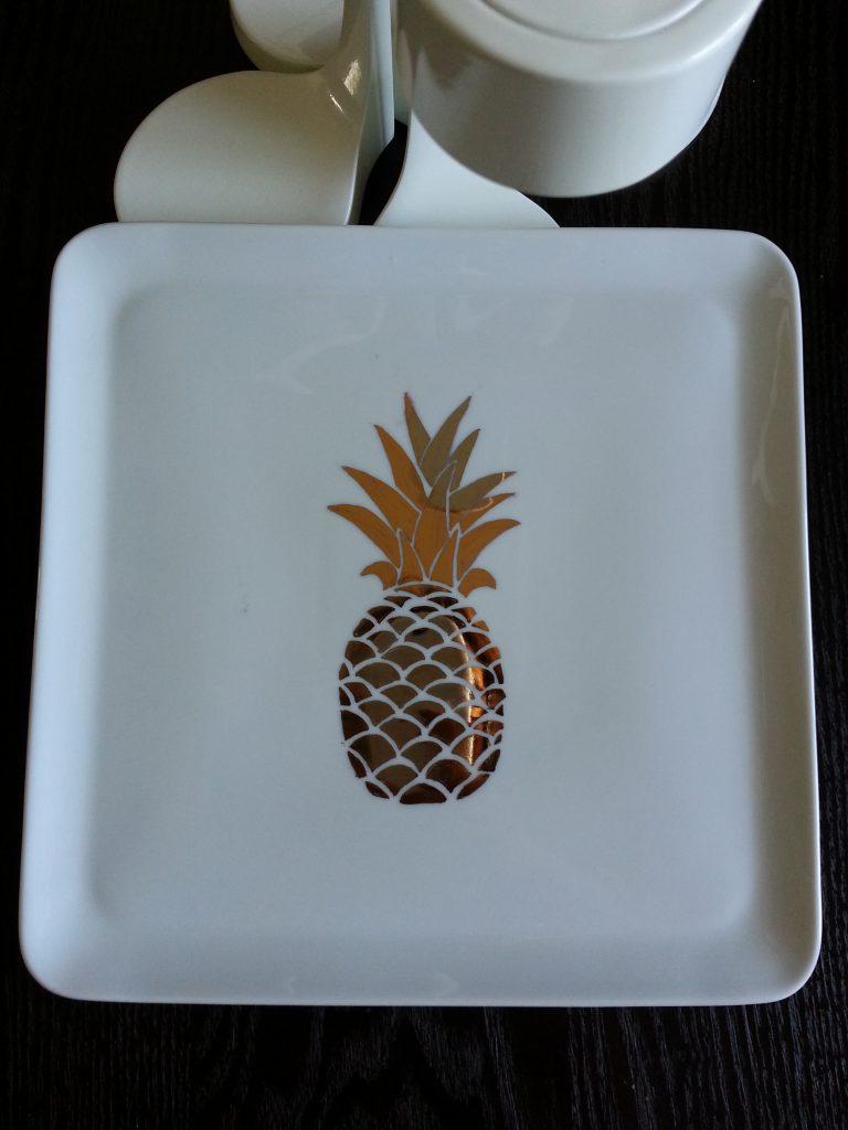 plateau ananas or brillant et noir
